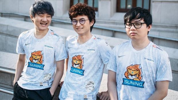 Áo đấu mới của Suning bị fan chê thậm tệ: Đây là áo xấu nhất từ trước đến nay - Ảnh 8.