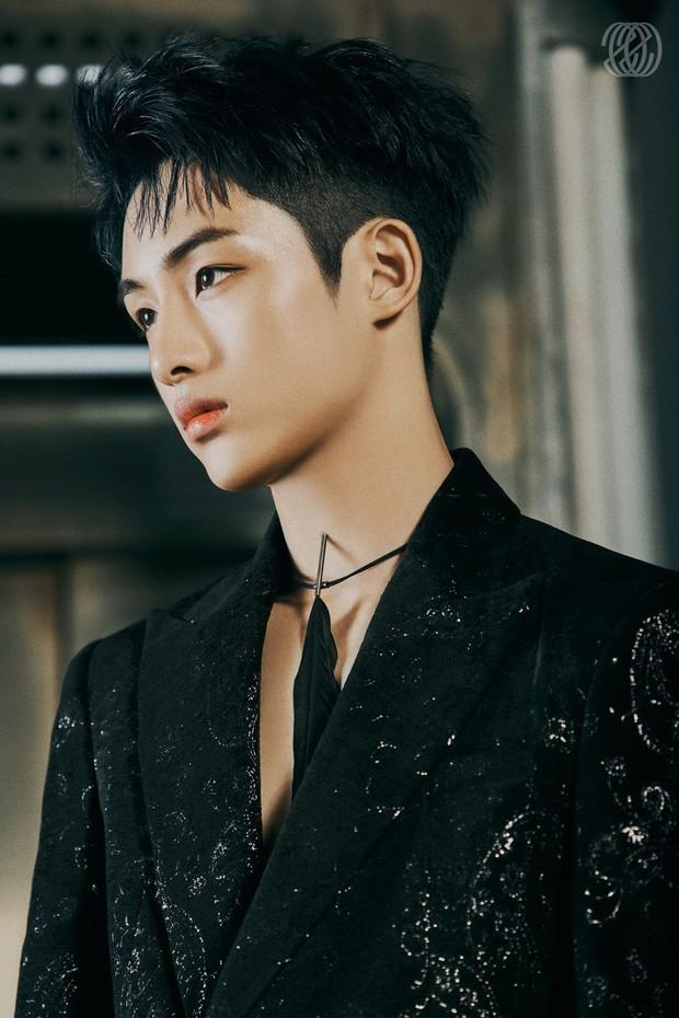 Idol từng được SM chiêu mộ 7 lần chịu bất công trong concert của NCT, là thành viên của unit nổi nhất nhưng giờ bị coi như chưa hề tồn tại - Ảnh 6.
