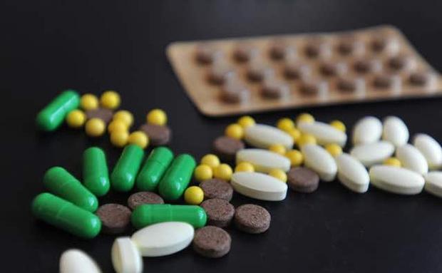 Người phụ nữ 35 tuổi bị vàng da, suy gan đột ngột: Bác sĩ cảnh báo việc làm gây hại sức khỏe mỗi khi bị ốm của nhiều người - Ảnh 2.