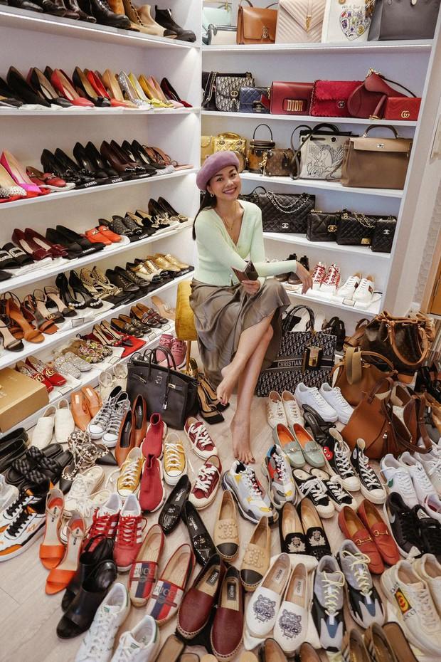 Thăm nhà Thanh Hằng: Sang chảnh số 1 showbiz, ngó đến tủ giày hiệu mà xỉu - Ảnh 8.