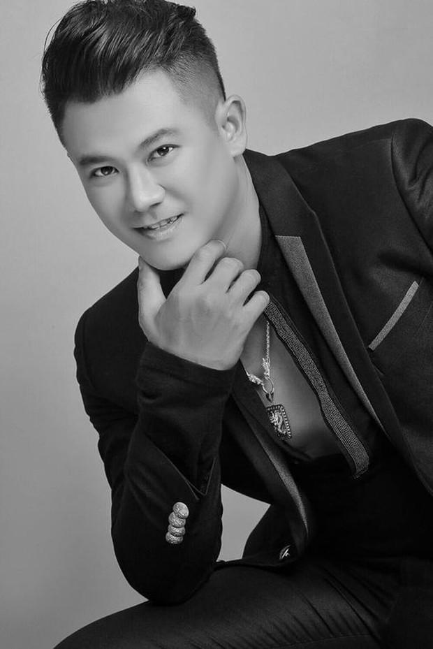 Đại diện gia đình đính chính thời gian, địa điểm NS Vân Quang Long qua đời, thông báo về lễ an táng thi hài nam ca sĩ - Ảnh 5.