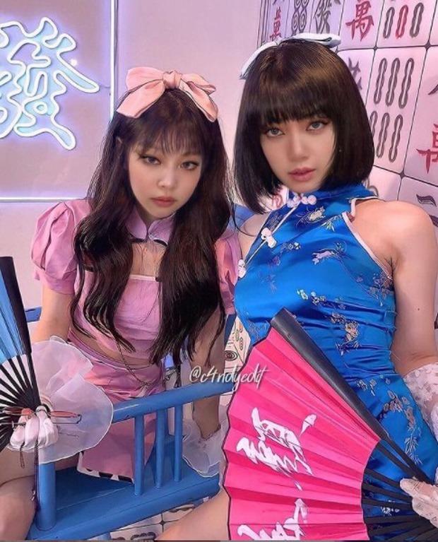 Chết lặng vì ảnh BLACKPINK trang phục Nhật sexy, Jisoo trễ nải kimono khoe khe ngực bốc lửa, nhưng sự thật ra sao? - Ảnh 3.