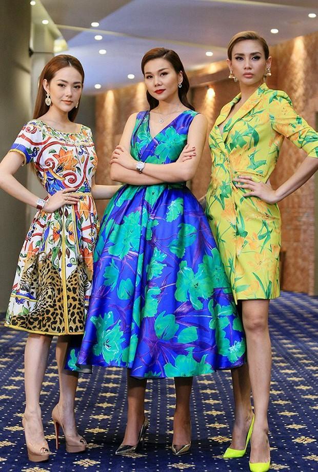 Võ Hoàng Yến gây choáng với bức ảnh đôi chân dài như kiếm Nhật, cười xỉu vì biểu cảm của nữ MC đứng cạnh - Ảnh 6.