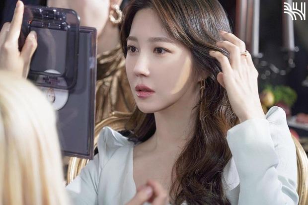 Bà cả Penthouse Lee Ji Ah: Lừa dối cả Kbiz bí mật kết hôn với huyền thoại Kpop, khiến Jung Woo Sung đau đớn và cái kết bất ngờ - Ảnh 10.