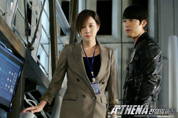 Bà cả Penthouse Lee Ji Ah: Lừa dối cả Kbiz bí mật kết hôn với huyền thoại Kpop, khiến Jung Woo Sung đau đớn và cái kết bất ngờ - Ảnh 6.