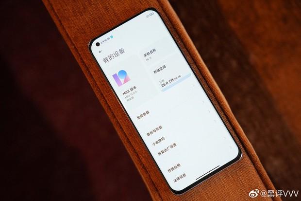Cận cảnh Xiaomi Mi 11 vừa ra mắt: Thiết kế camera mới, có thêm bản mặt lưng da, màn hình và hiệu năng nâng cấp mạnh, giá từ 14,2 triệu đồng - Ảnh 11.