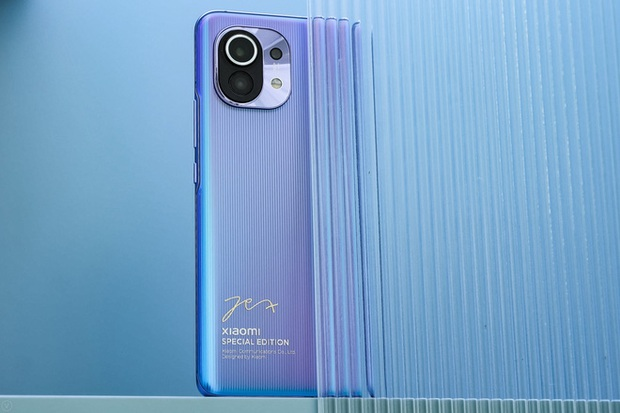 Cận cảnh Xiaomi Mi 11 vừa ra mắt: Thiết kế camera mới, có thêm bản mặt lưng da, màn hình và hiệu năng nâng cấp mạnh, giá từ 14,2 triệu đồng - Ảnh 14.
