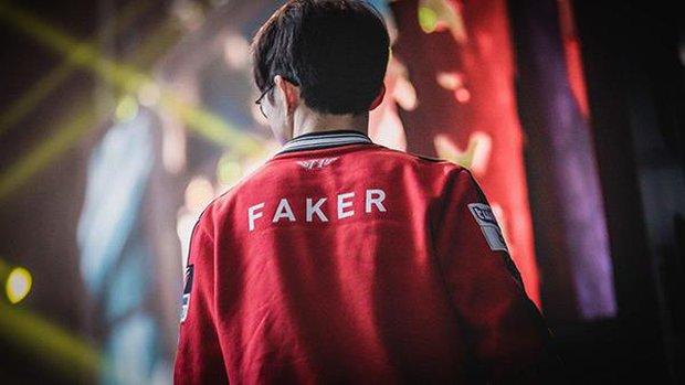 Tiết kiệm hết mức có thể, nam tuyển thủ nổi tiếng bị mang tiếng kẹt xỉ, nhưng sau khi biết lý do, netizen chỉ biết câm nín ngưỡng mộ - Ảnh 3.