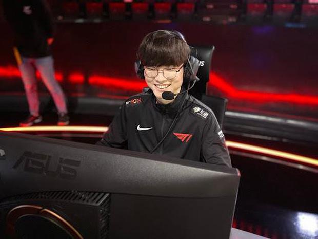 Tiết kiệm hết mức có thể, nam tuyển thủ nổi tiếng bị mang tiếng kẹt xỉ, nhưng sau khi biết lý do, netizen chỉ biết câm nín ngưỡng mộ - Ảnh 5.