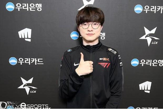 Tiết kiệm hết mức có thể, nam tuyển thủ nổi tiếng bị mang tiếng kẹt xỉ, nhưng sau khi biết lý do, netizen chỉ biết câm nín ngưỡng mộ - Ảnh 7.