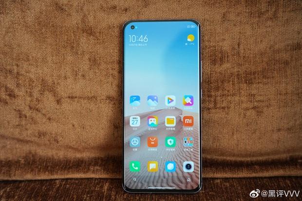 Cận cảnh Xiaomi Mi 11 vừa ra mắt: Thiết kế camera mới, có thêm bản mặt lưng da, màn hình và hiệu năng nâng cấp mạnh, giá từ 14,2 triệu đồng - Ảnh 7.