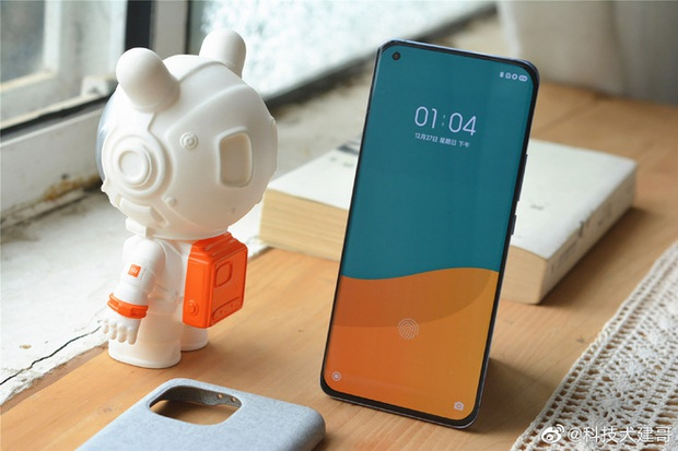 Cận cảnh Xiaomi Mi 11 vừa ra mắt: Thiết kế camera mới, có thêm bản mặt lưng da, màn hình và hiệu năng nâng cấp mạnh, giá từ 14,2 triệu đồng - Ảnh 9.