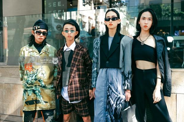 Các nhóm hội so kè street style siêu gắt trong ngày 3 Aquafina Vietnam International Fashion Week 2020 - Ảnh 7.