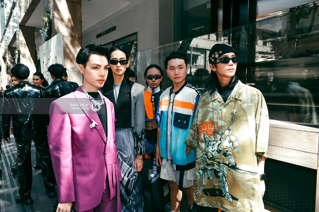 Các nhóm hội so kè street style siêu gắt trong ngày 3 Aquafina Vietnam International Fashion Week 2020 - Ảnh 6.
