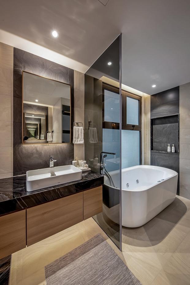 Đầu tư 5 tỷ, cặp vợ chồng biến nhà thô thành penthouse sang xịn mịn với style tối giản cực mê - Ảnh 17.