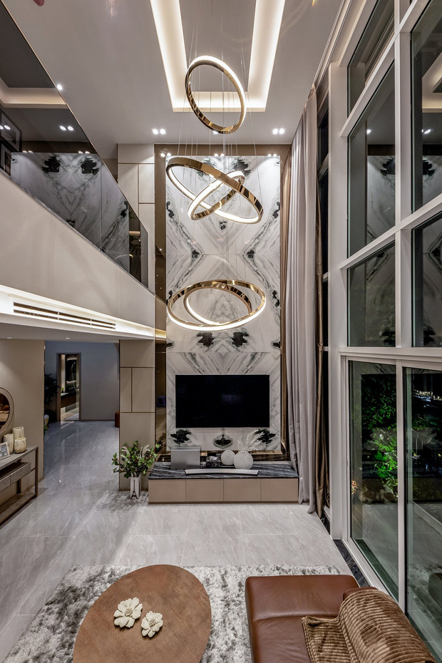 Đầu tư 5 tỷ, cặp vợ chồng biến nhà thô thành penthouse sang xịn mịn với style tối giản cực mê - Ảnh 3.