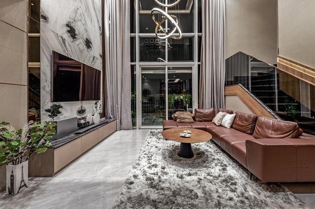 Đầu tư 5 tỷ, cặp vợ chồng biến nhà thô thành penthouse sang xịn mịn với style tối giản cực mê - Ảnh 1.
