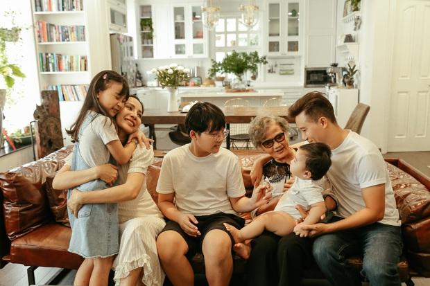 Ca sĩ Hoàng Bách ra mắt MV do con gái 8 tuổi sáng tác: Không muốn con mình trở thành một sao nhí hay hiện tượng mạng - Ảnh 4.