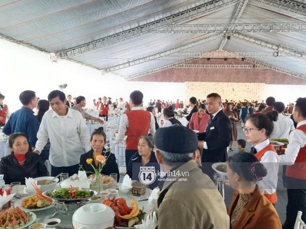 Cận cảnh menu đám cưới ở quê nhà Công Phượng: Tận 11 món nhưng chẳng thấy đặc sản xứ Nghệ nào - Ảnh 4.