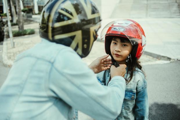Ca sĩ Hoàng Bách ra mắt MV do con gái 8 tuổi sáng tác: Không muốn con mình trở thành một sao nhí hay hiện tượng mạng - Ảnh 6.