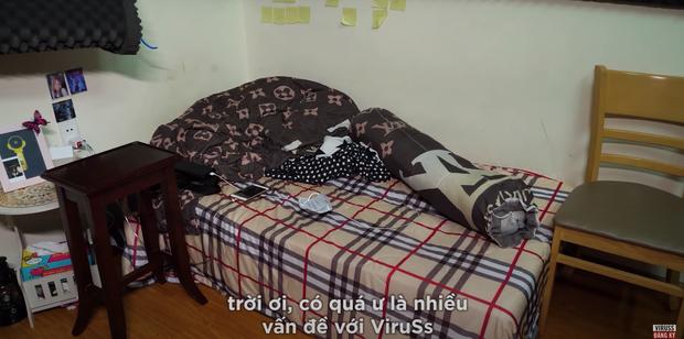 Ricky Star lộ phòng riêng siêu lộn xộn, được ViruSs bí mật decor lại căng cực - Ảnh 3.