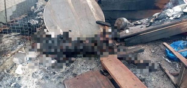 Hiện trường vụ cháy xe chở pháo khiến ít nhất 10 người thương vong - Ảnh 10.