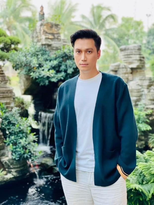 Diễn viên Việt Anh gây hoang mang với combo mặt đơ cứng và mũi méo mó, xiêu vẹo lạ thường - Ảnh 3.