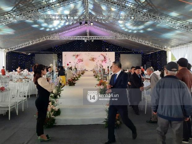 Cận cảnh menu đám cưới ở quê nhà Công Phượng: Tận 11 món nhưng chẳng thấy đặc sản xứ Nghệ nào - Ảnh 2.