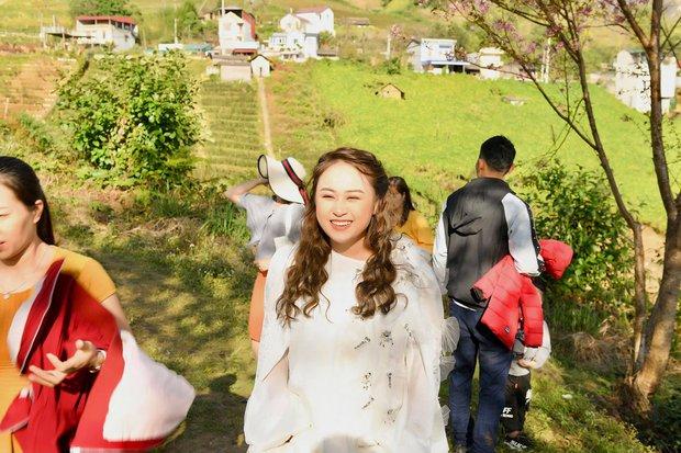 Hé lộ hậu trường chụp ảnh cưới của con gái Thanh Lam: Cô dâu chú rể khoá môi, nhan sắc nữ diva U55 gây chú ý - Ảnh 5.