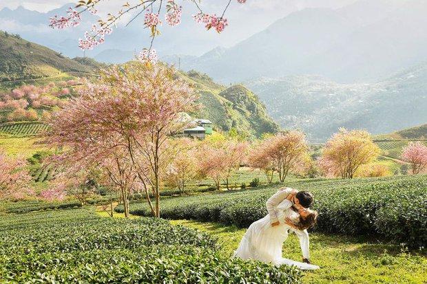 Hé lộ hậu trường chụp ảnh cưới của con gái Thanh Lam: Cô dâu chú rể khoá môi, nhan sắc nữ diva U55 gây chú ý - Ảnh 4.