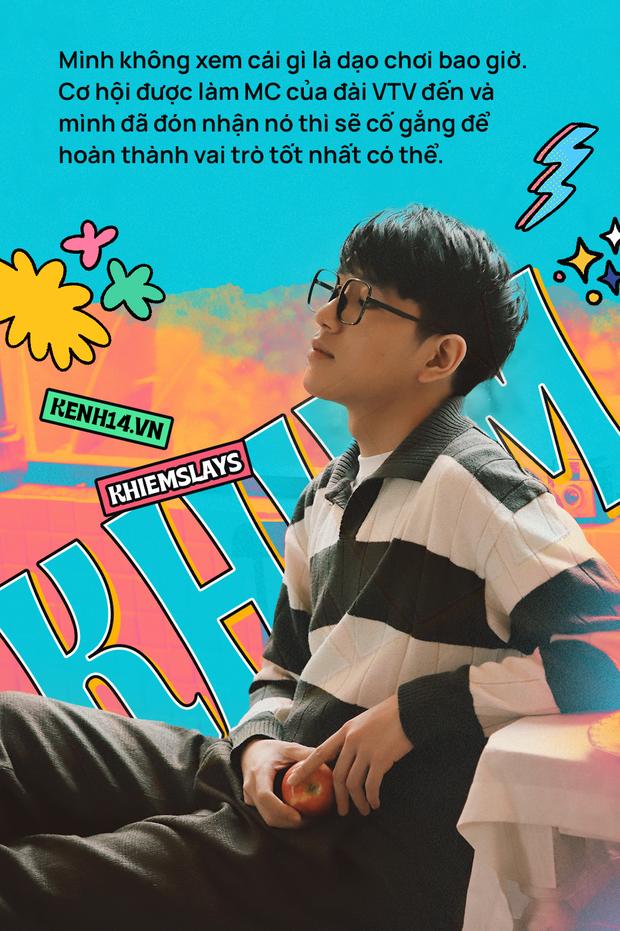 """""""Hot boy IELTS"""" Thiện Khiêm - MC trẻ nhất VTV: Sinh ra ở vạch đích của tiền tài là một chuyện, được công nhận và tạo ra giá trị lại là một thử thách khác! - Ảnh 4."""