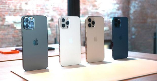 Cộng đồng mạng bức xúc khi iPhone 12 Pro Max cháy hàng dịp cuối năm, các cửa hàng đồng loạt tăng giá - Ảnh 1.