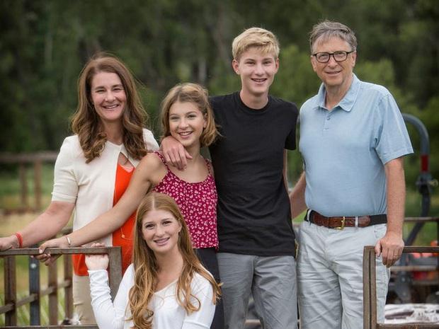 Ở tuổi 65, tỷ phú Bill Gates đo lường cuộc sống viên mãn bằng 3 câu hỏi đơn giản này: Người trẻ tự hoàn thiện càng sớm, về già sẽ không hối hận - Ảnh 1.