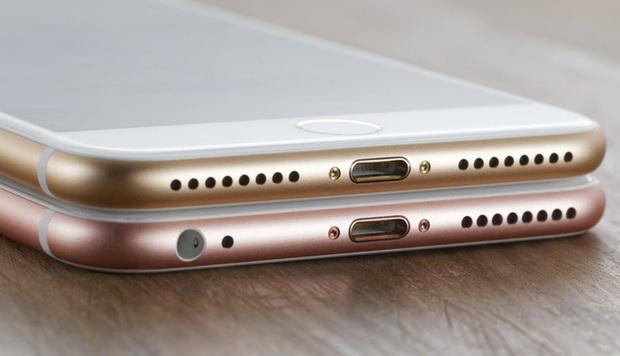 Điểm mặt những gương xấu mà Apple tạo ra: lúc đầu ai cũng chê, về sau ai cũng học lỏm - Ảnh 2.