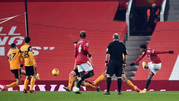 Thắng kịch tích trận cuối cùng của năm, MU lên nhì bảng Ngoại hạng Anh - Ảnh 8.