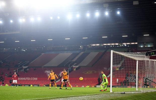 Thắng kịch tích trận cuối cùng của năm, MU lên nhì bảng Ngoại hạng Anh - Ảnh 9.