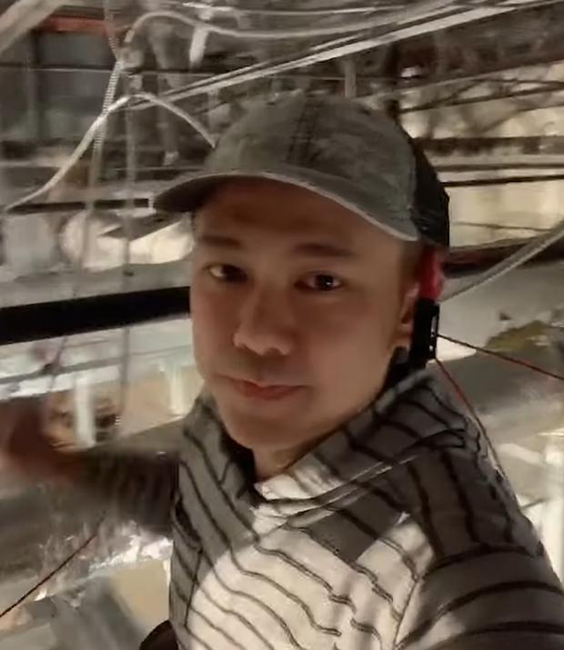 Cố NS Vân Quang Long những ngày cuối đời: Chăm chỉ đi làm thợ điện, tranh thủ sáng tác hát livestream để thoả đam mê - Ảnh 2.