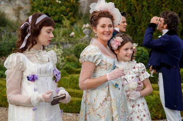 Bridgerton đúng chất Gossip Girl phiên bản quý tộc Anh, thêm dàn tiểu thư - công tử xinh yêu càng xem càng ưng mắt - Ảnh 8.