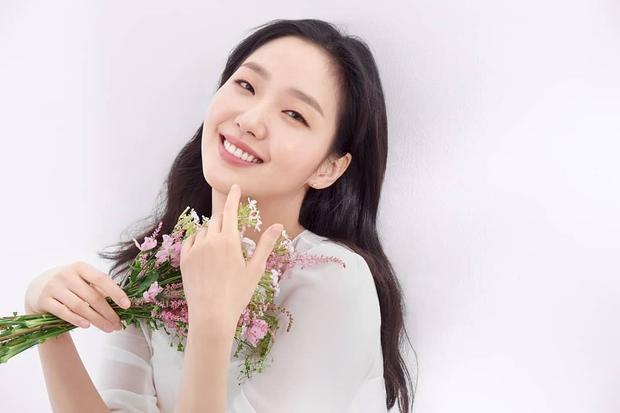 Hậu yêu đương Lee Min Ho, Kim Go Eun chốt đơn phim mới nhưng nội dung nghe na ná Inside Out ta? - Ảnh 4.