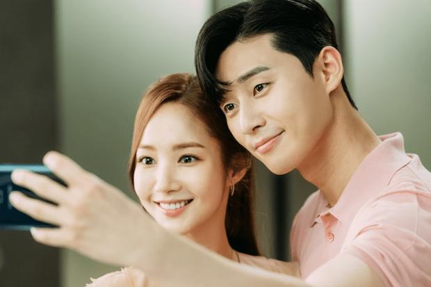Dự đoán cặp đôi bị Dispatch đưa lên thớt ngày 1/1: Hyun Bin - Son Ye Jin hay Jennie - Mino quá rõ, BTS cũng không thoát - Ảnh 11.