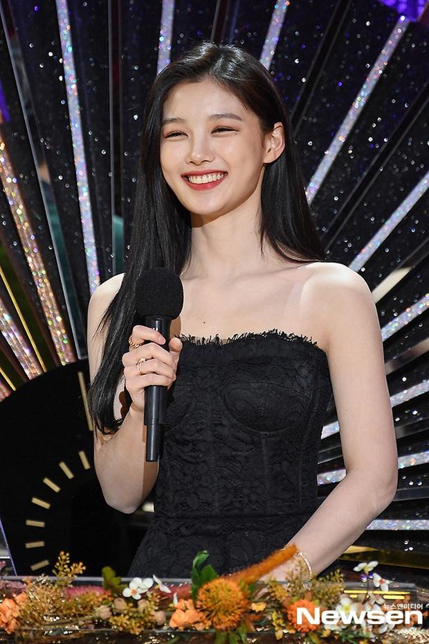 Mỹ nhân hot nhất SBS Drama Awards 2020 gọi tên Kim Yoo Jung: Sao nhí lột xác thành nữ thần, chấp hết mọi ống kính phóng viên - Ảnh 14.