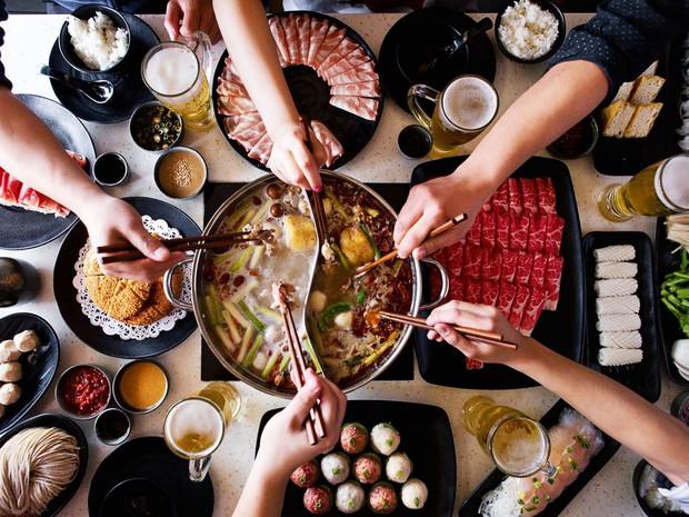 3 món ngon trong mùa đông nhưng phải THẬN TRỌNG vì ăn sai cách có thể làm tổn thương dạ dày, thậm chí gây ung thư - Ảnh 3.