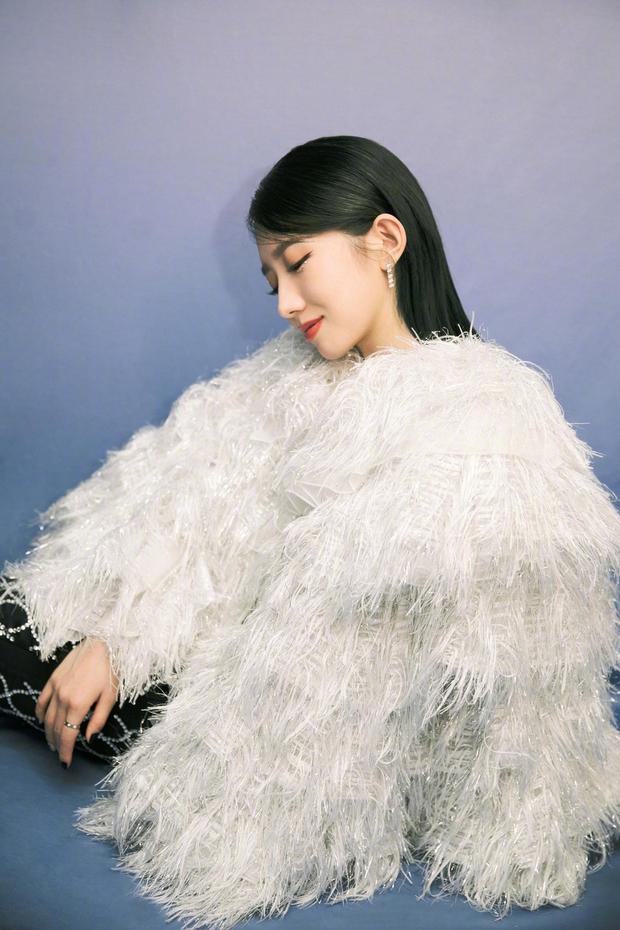 Dàn sao khủng tại gala năm mới: Dương Mịch đọ sắc cực gắt với đàn em, Vương Nhất Bác lộ diện sau scandal bị cảnh sát điều tra - Ảnh 12.