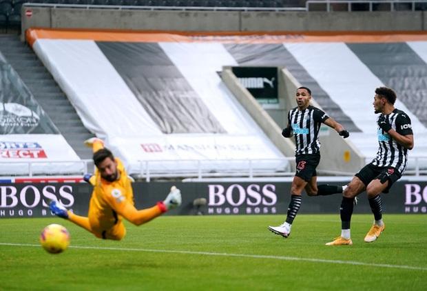 Liverpool bất lực trong trận đấu cuối cùng của năm, rơi vào tình thế đáng báo động - Ảnh 3.