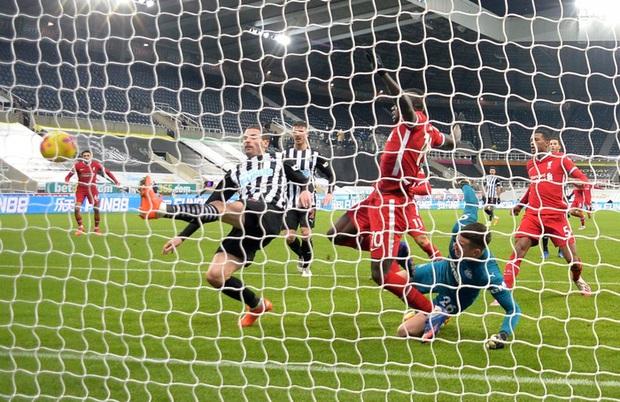 Liverpool bất lực trong trận đấu cuối cùng của năm, rơi vào tình thế đáng báo động - Ảnh 8.
