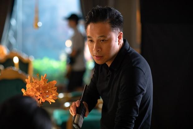 Victor Vũ tái xuất giang hồ với vũ trụ bùa ngải đầu tiên của Việt Nam, quyết giấu nhẹm mỹ nhân thứ tư ở Thiên Thần Hộ Mệnh - Ảnh 1.