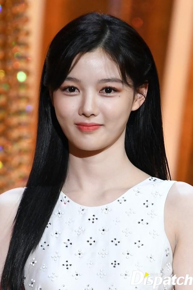 Mỹ nhân hot nhất SBS Drama Awards 2020 gọi tên Kim Yoo Jung: Sao nhí lột xác thành nữ thần, chấp hết mọi ống kính phóng viên - Ảnh 8.