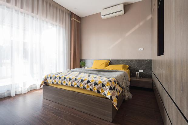 Đầu tư 200 triệu cải tạo phòng ngủ 20m2, vợ chồng kiến trúc sư thu về thành quả khiến ai cũng trầm trồ - Ảnh 6.