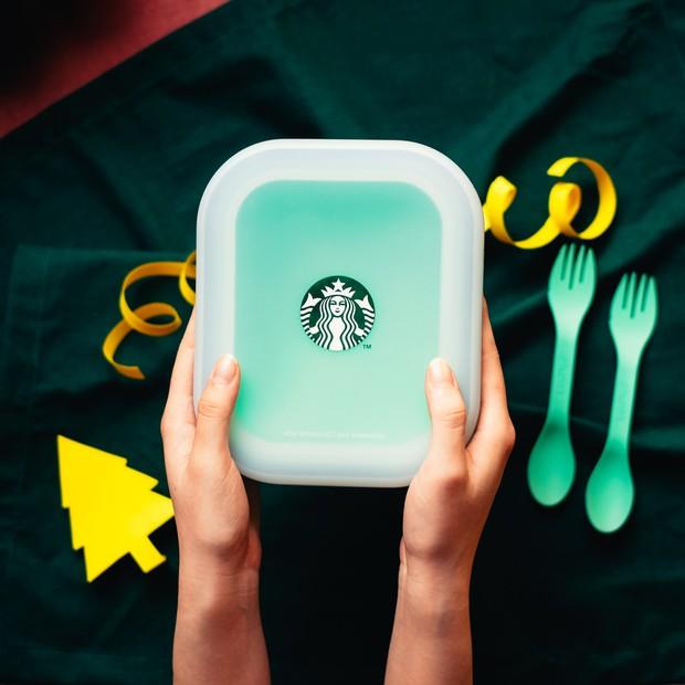 Review hộp cơm Starbucks: Gấp gọn cực tiện nhưng có xứng đáng với giá 400k? - Ảnh 2.