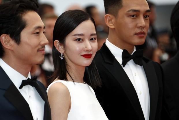 """""""Quái nữ xứ Hàn"""" Jeon Jong Seo: 2 năm trước cởi trần giữa đồng hoang, giờ hóa sát nhân hoang dại vươn ra Hollywood - Ảnh 13."""